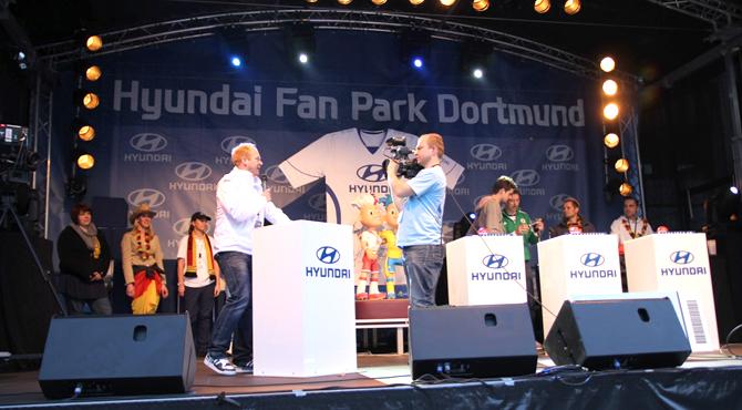 Stage engagement program at Hyundai Fan Park Dortmund