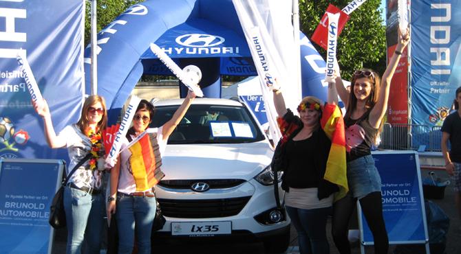 Thunder-sticks distributed to fans at Hyundai Fan Park Heilbronn