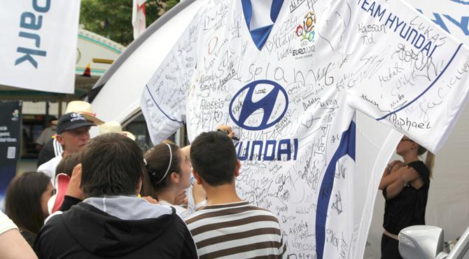Team Hyundai uniform signing at Hyundai Fan Park Dortmund