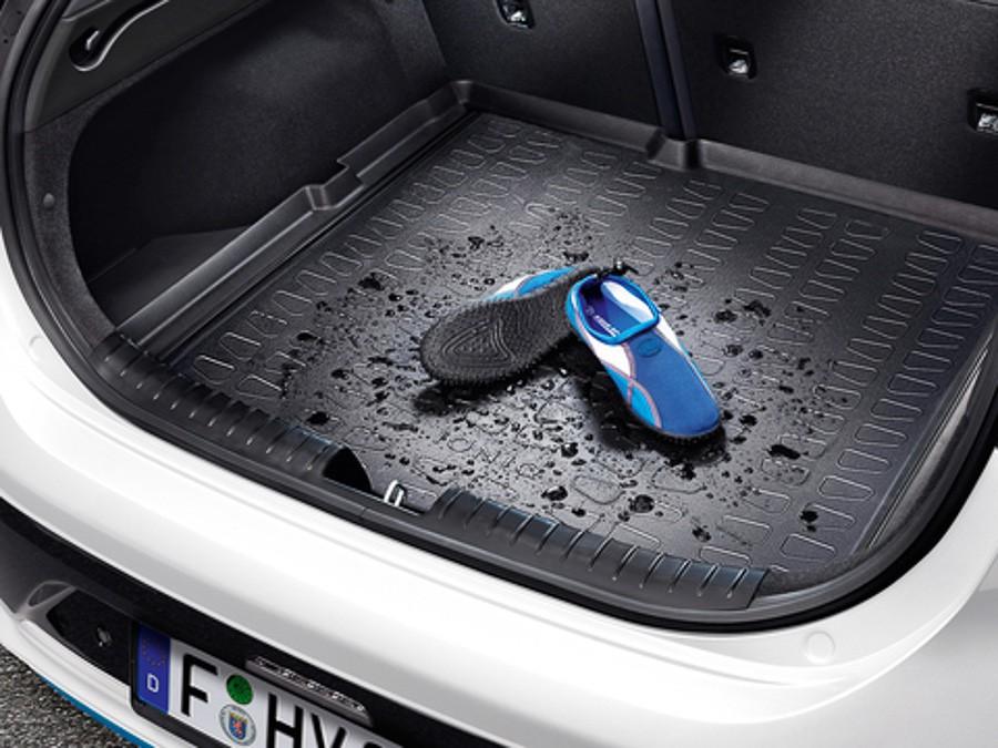 6 iONiQ Plugin (2018)Гумена стелка багажник