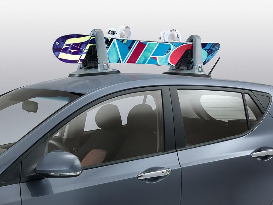 25 i10 (2017)Магнитен багажник за ски и сноуборд