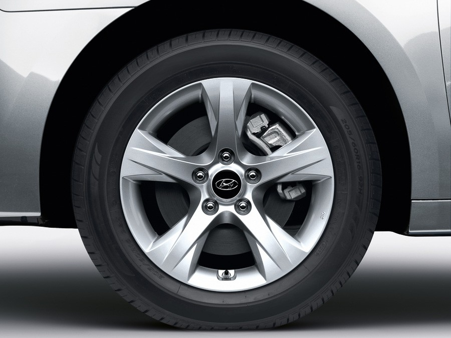 "3 i40 Sedan (2011)16"" алуминиева джанта, комплект"